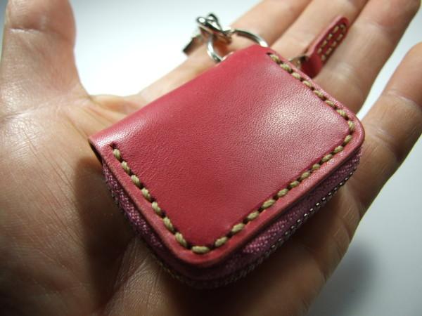 ミニファスナーコインケース ピンクにベージュステッチ