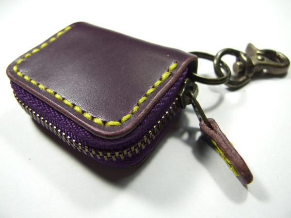 ミニファスナーコインケース 紫x黄色ステッチ-1