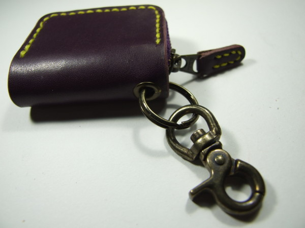ミニファスナーコインケース 紫x黄色ステッチ-2