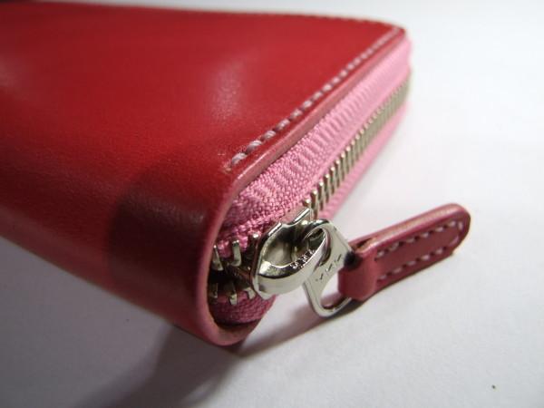 ピンクのファスナーロングウォレット -3