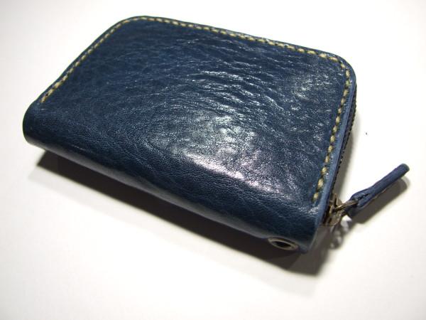 カードも入るネイビーのファスナーコインケース ベージュステッチ-1