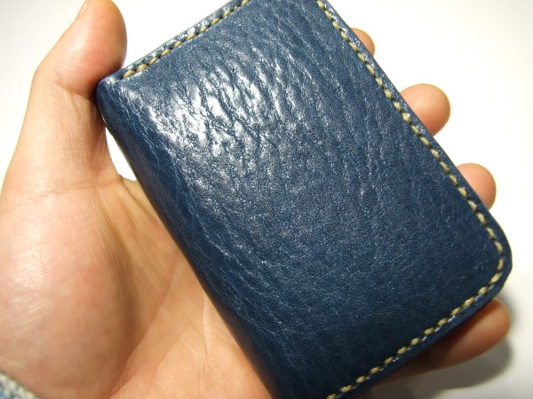 カードも入るネイビーのファスナーコインケース ベージュステッチ-4