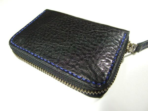 ファスナーカードケース 黒x青ステッチ