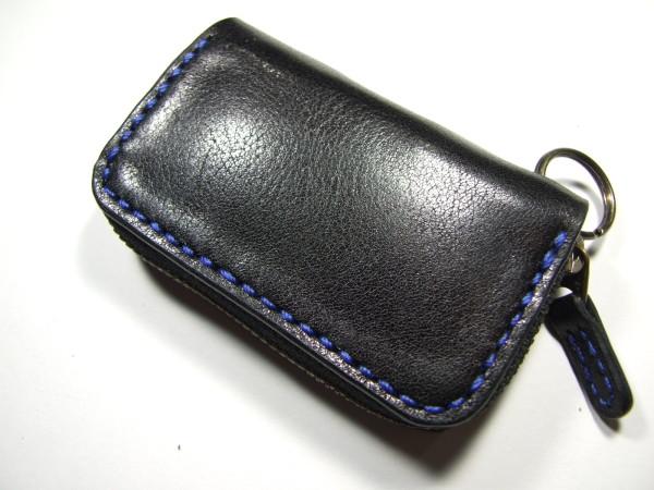 スバル・レヴォーグ用ファスナースマートキーケース 黒x青ステッチ