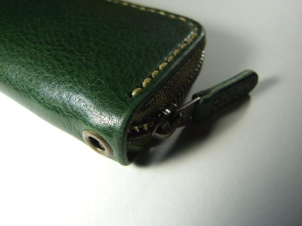 グリーンのファスナーキーケース ベージュステッチ-3