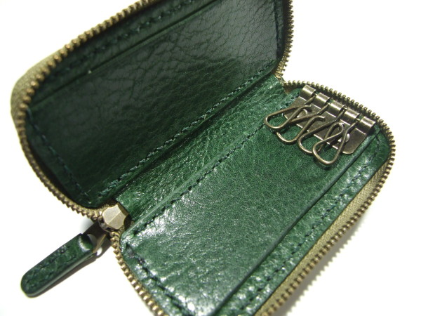 グリーンのファスナーキーケース-3