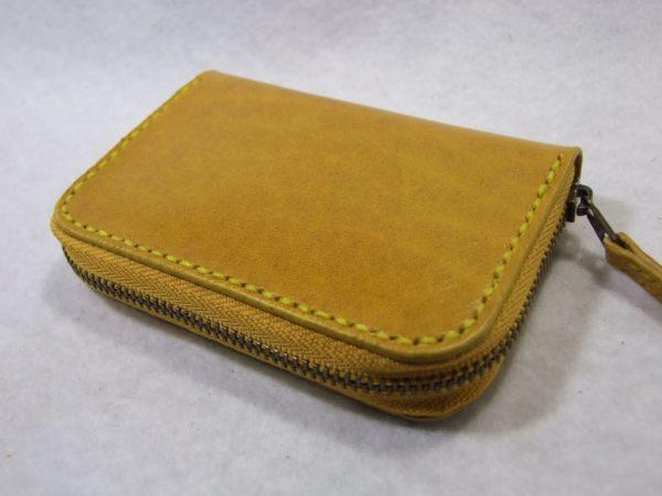 カードも入る黄色のファスナーコインケース ルガトショルダー-2