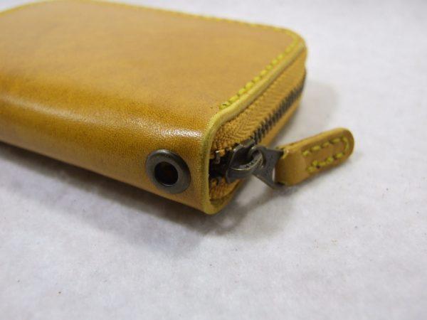 カードも入る黄色のファスナーコインケース ルガトショルダー-3